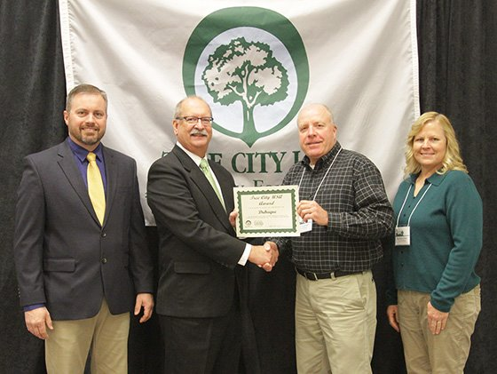 Photo of 2018 Tree City USA Award Presentation