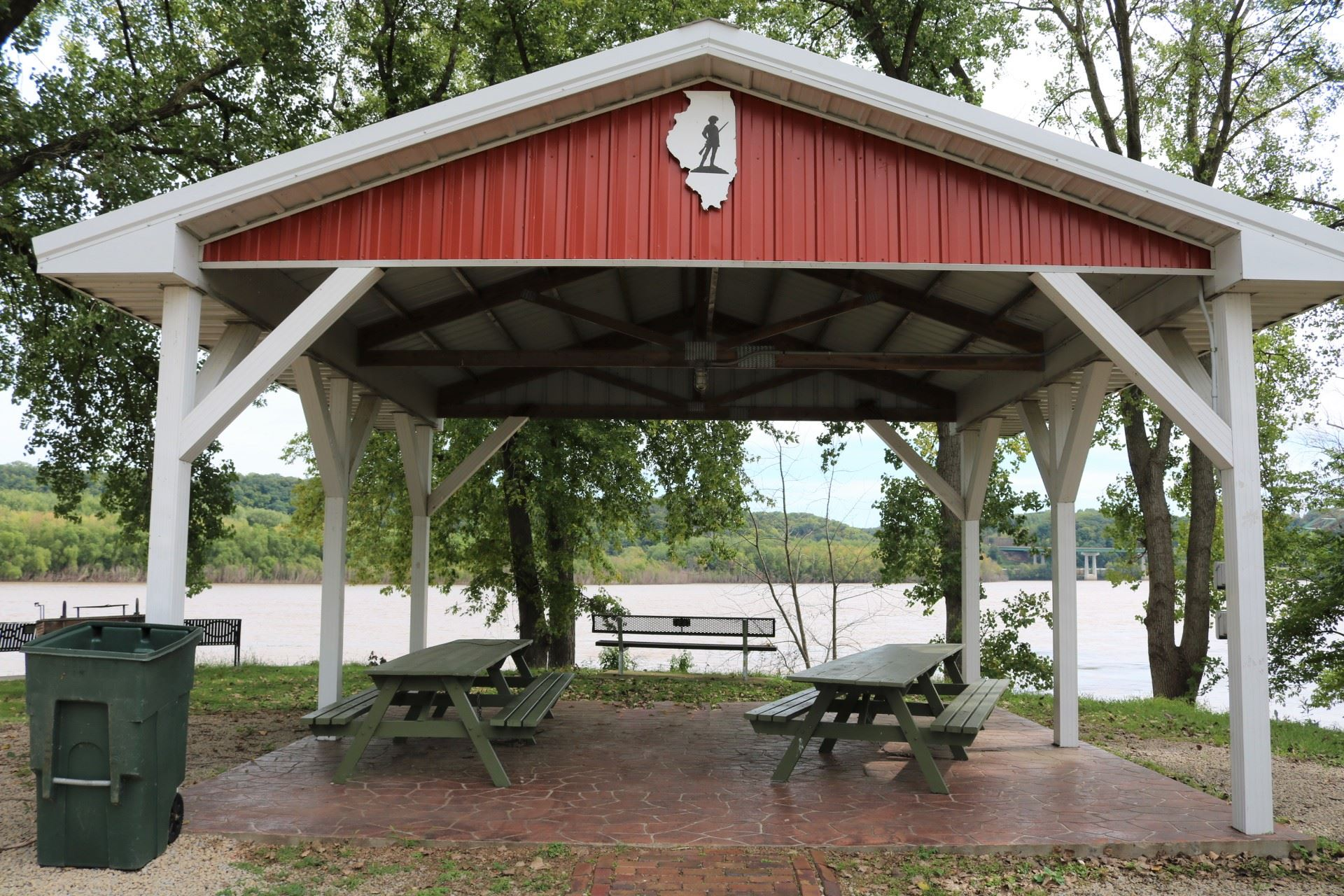 Illinois Pavilion seating: 24 people; price: $20.00. Handicapped accessible, 15 amp electricity, pic